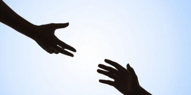 DIGURA giver gerne en hjælpende hånd inden for lejeret.